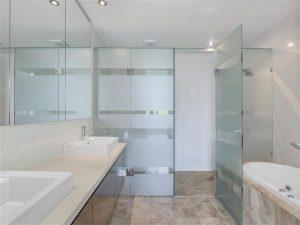 7507 Springfield Drive bathroom