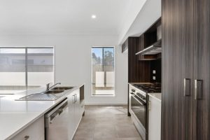 42 Dales Way Coomera kitchen area