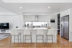 7615 Fairway Boulevard kitchen