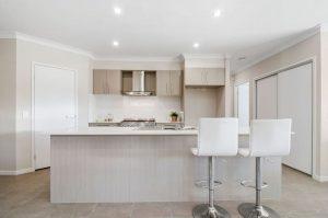 9 Moss Street Helensvale Kitchen 2