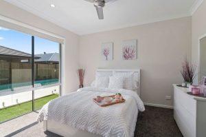 9 Moss Street Helensvale bedroom