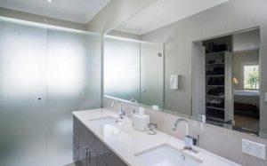 ensuite bathroom (Copy)